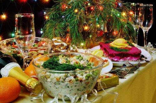 Салаты смайонезом истудень попали всписок опасных блюд наНовый год - «Россия»