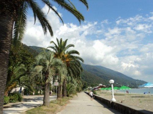 Российских туристов вАбхазии обеспечат медстраховкой - «Большой Кавказ»
