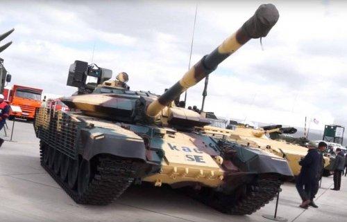 Казахстанские разработчики представили новую модификацию Т-72 - «Военные действия»