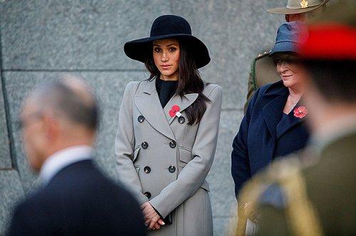 Меган Маркл не разговаривает с отцом после его оскорбительных высказываний в адрес королевы Елизаветы II - «Культура»