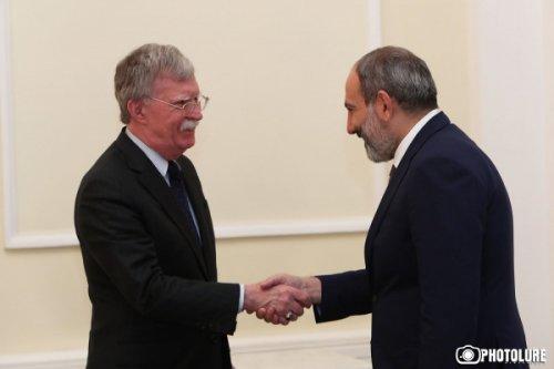 «Ястреб» вЕреване: подавить Иран, ущемить Россию ипредостеречь отСирии - «Аналитика»