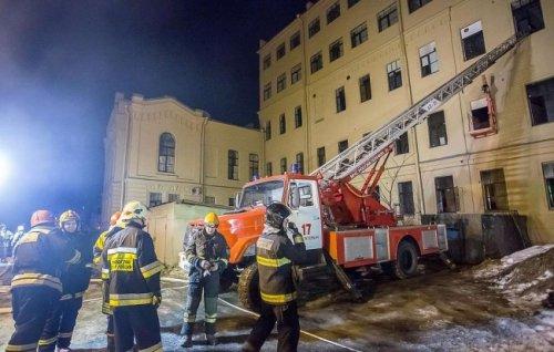 ВПетербурге разобрали завалы наместе обрушившегося университета - «Россия»